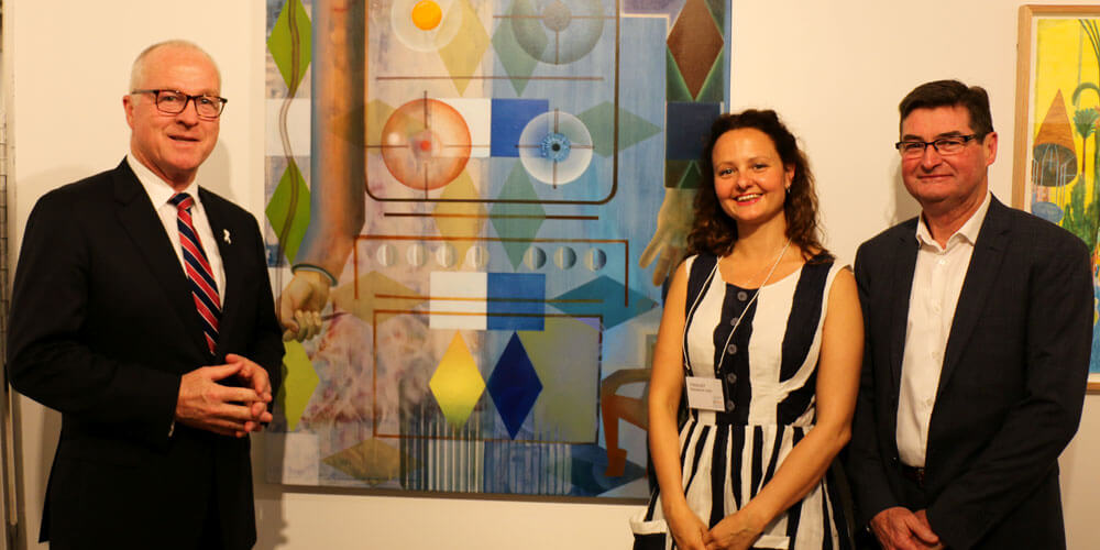 Art lovers are being encouraged to vote for their favourite piece in the prestigious Sunshine Coast Art Prize.